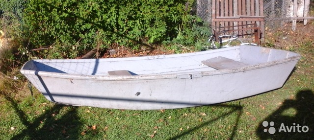 лодка по мотивам радуги