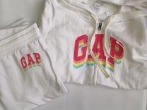 Продам женский костюм GAP