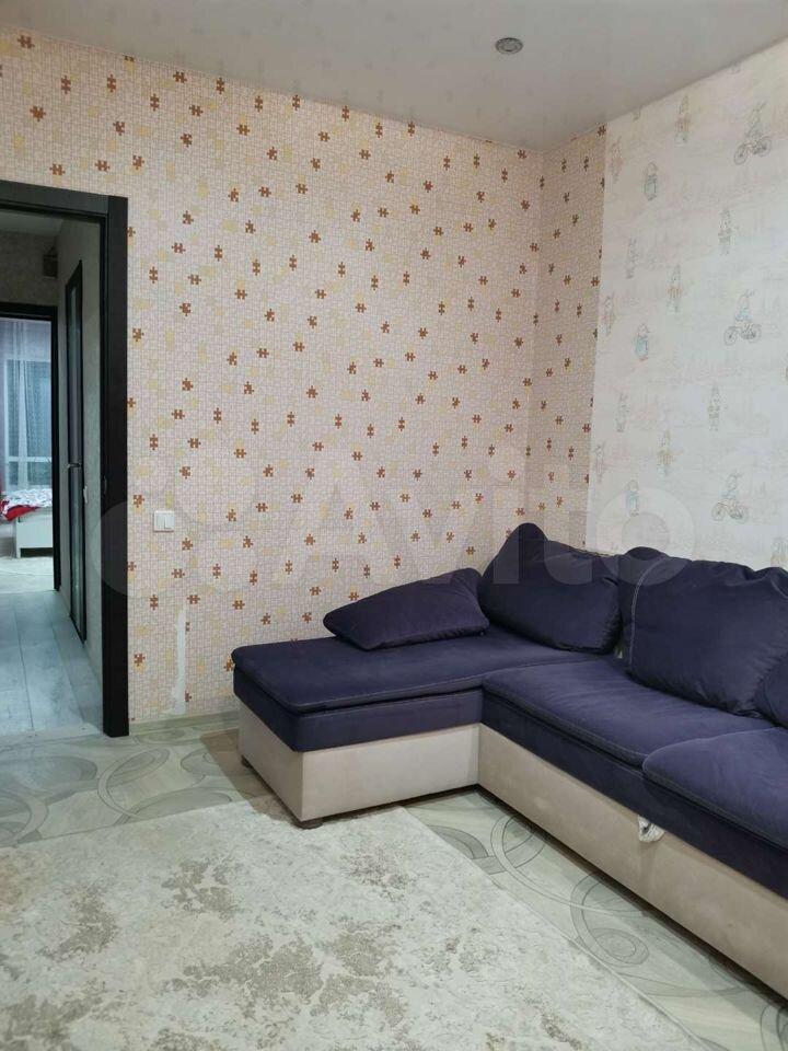 3-room apartment, 82 m2, 1/9 et.  89113592534 buy 4